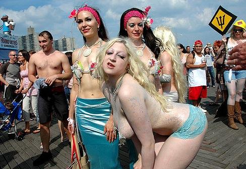 Mermaidparadeblonde