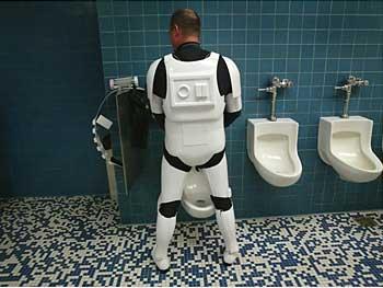 Stormtrooperpeeing
